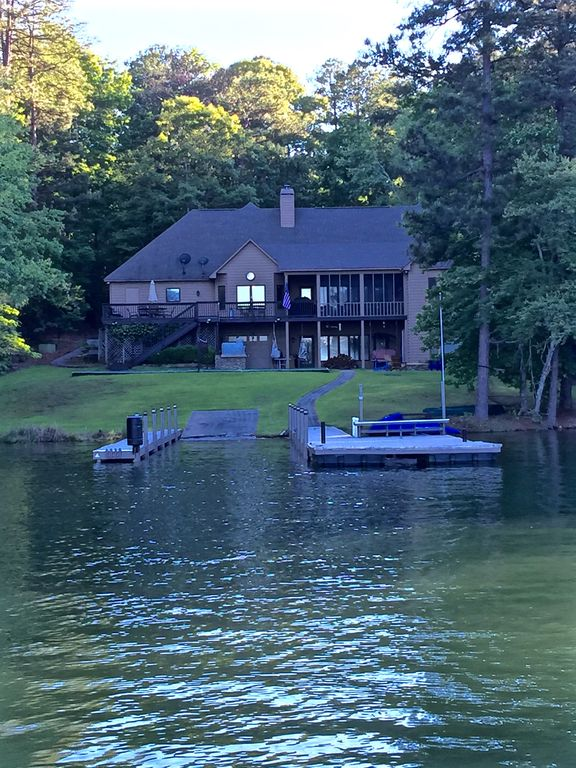 lakehouse pic